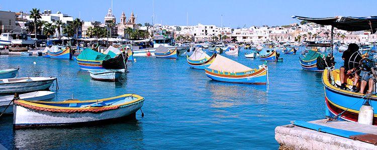 Рыболовецкие лодки у берега Мальты